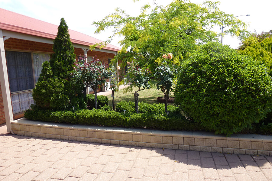 The Gardens at Colonial Motor Inn Bairnsdale