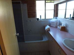2 Bedroom Family Bathroom