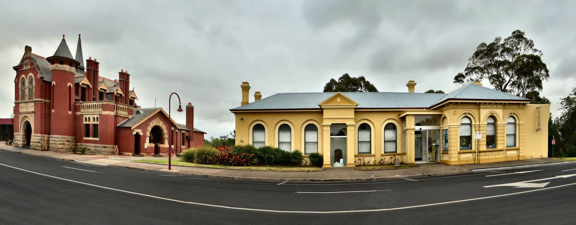 Bairnsdale Courthouse - Colonial Motor Inn Bairnsdale